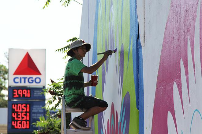 Tony Passero CrossCuts Mural on Addison Avenue Chicago Day 3 Jonathan Herrera