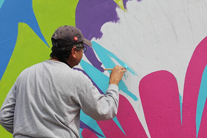 Tony Passero CrossCuts Mural on Addison Avenue Chicago  Day 4 Juan Carlos Frias