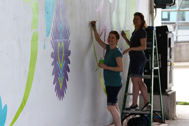 Tony Passero CrossCuts Mural on Addison Avenue Chicago  Day 4 Sarah and Catherine Satrun