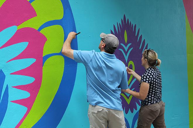 Tony Passero CrossCuts Mural on Addison Avenue Chicago  Day 5 45th Ward Alderman John Arena and his wife Jill