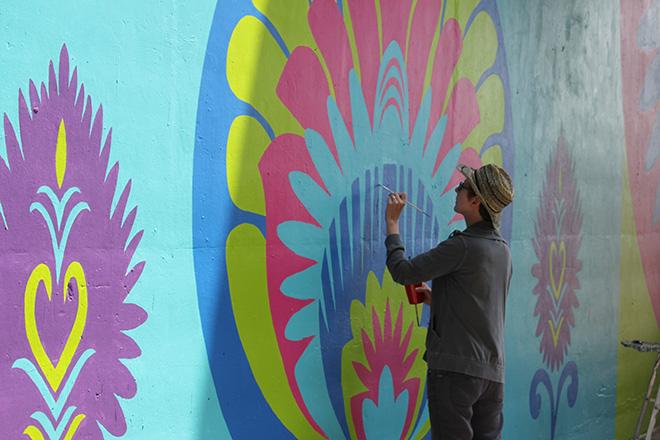 Tony Passero CrossCuts Mural on Addison Avenue Chicago  Day 5 Maribeth Brewer