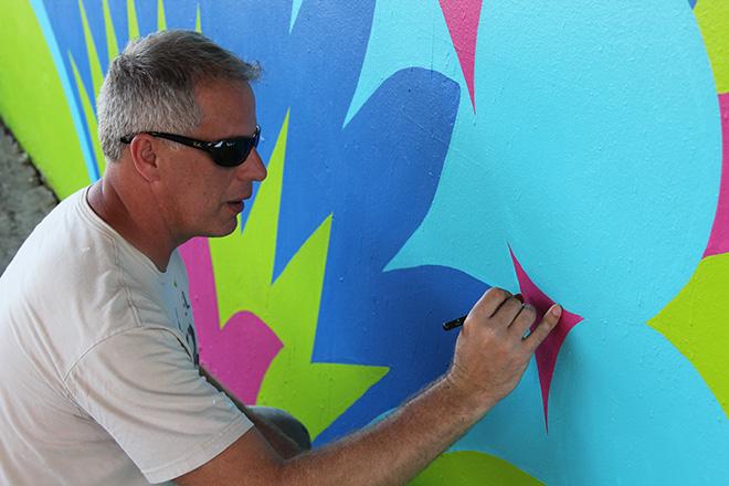 Tony Passero CrossCuts Mural on Addison Avenue Chicago Day 6 Artist Tony Passero