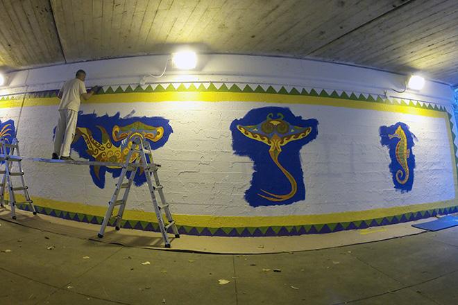Tony Passero Coloribbean Mural in Rogers Park Chicago Day 4 Artist Tony Passero Painting in Purple Border