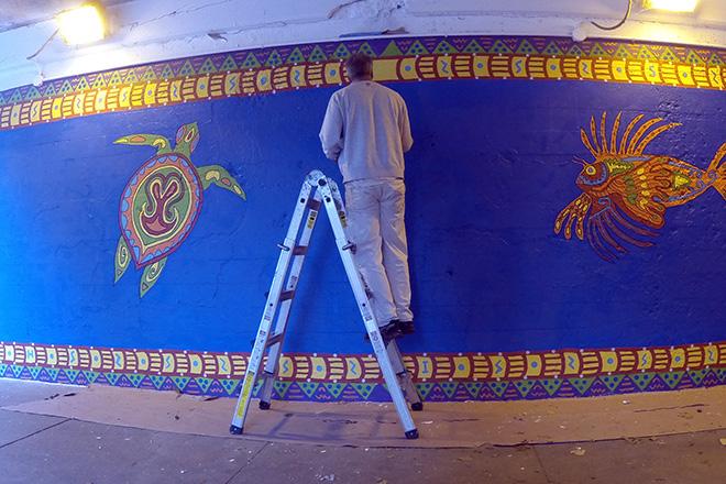 Tony Passero Coloribbean Mural in Rogers Park Chicago Day 7 Tony Fixing Leak