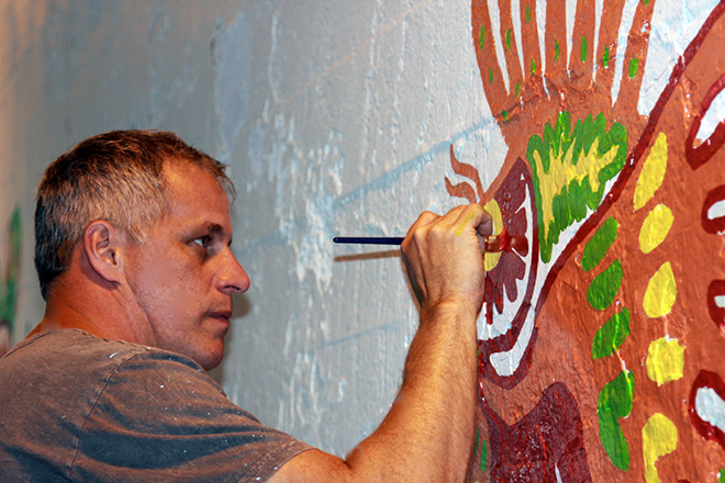 Tony Passero Coloribbean Mural in Rogers Park Chicago Day 2 Artist Tony Passero Getting into some detail on the lionfish