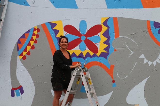 Tony Passero Jumbo Jet Mural Shannon at work
