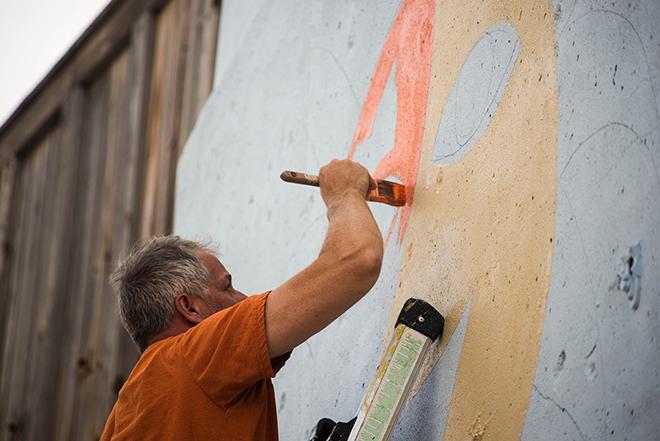 Tony Passero Jumbo Jet Mural Tony Painting in the Sun