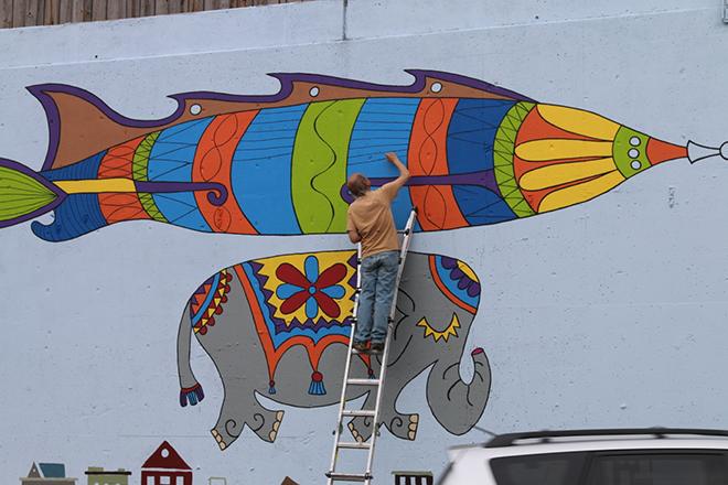 Tony Passero Jumbo Jet Mural Day 4 Jerry Painting