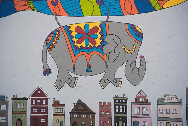 Tony Passero Jumbo Jet Mural Day 5 Elephant Detail